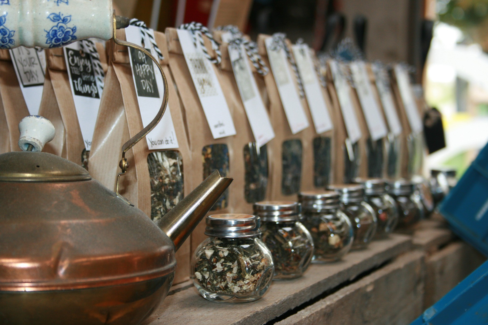 Expertly blended teas from Cotswolds Hampers