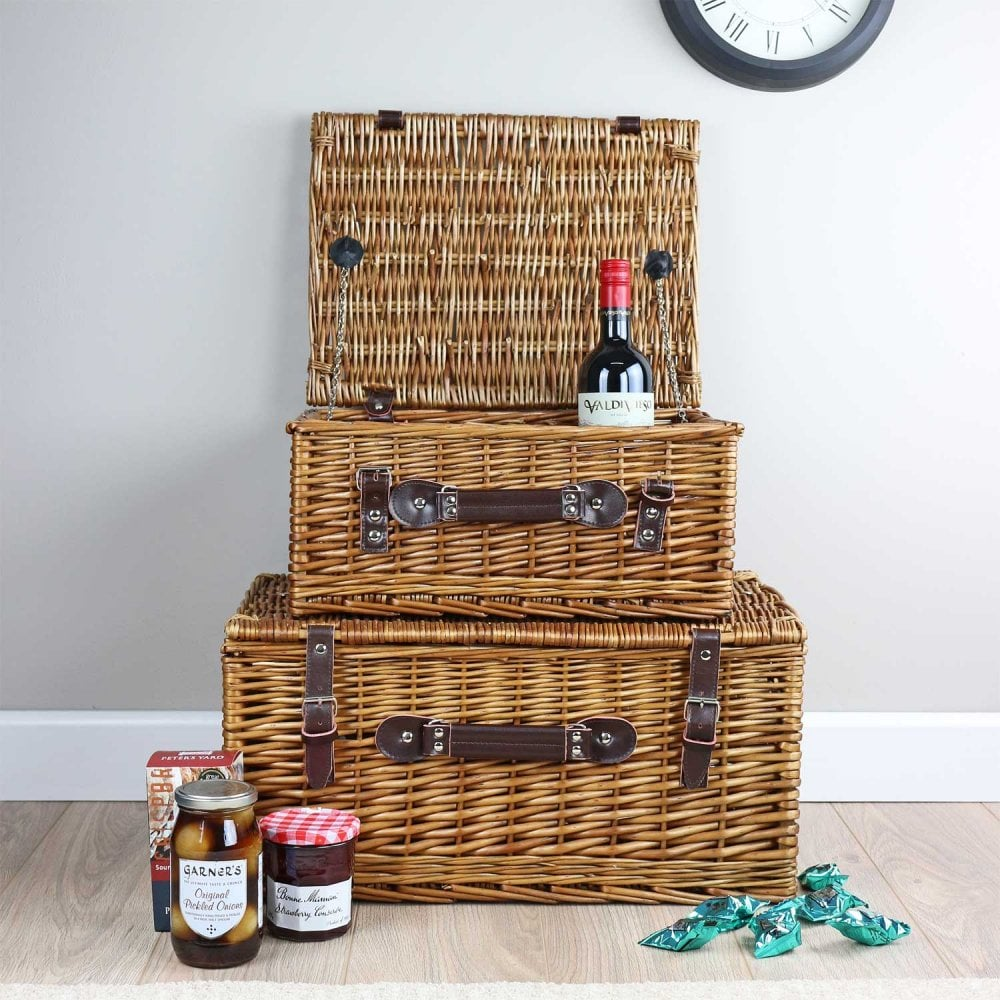 Hamper from Cotswolds Hampers